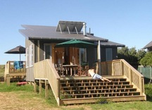 2013-12-28 21_00_50-Great Barrier Island Beach House accommodation. Medlands Beachfront - Internet E