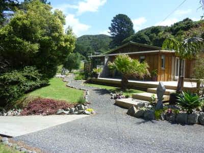 Aotea Lodge - Go Great Barrier Island